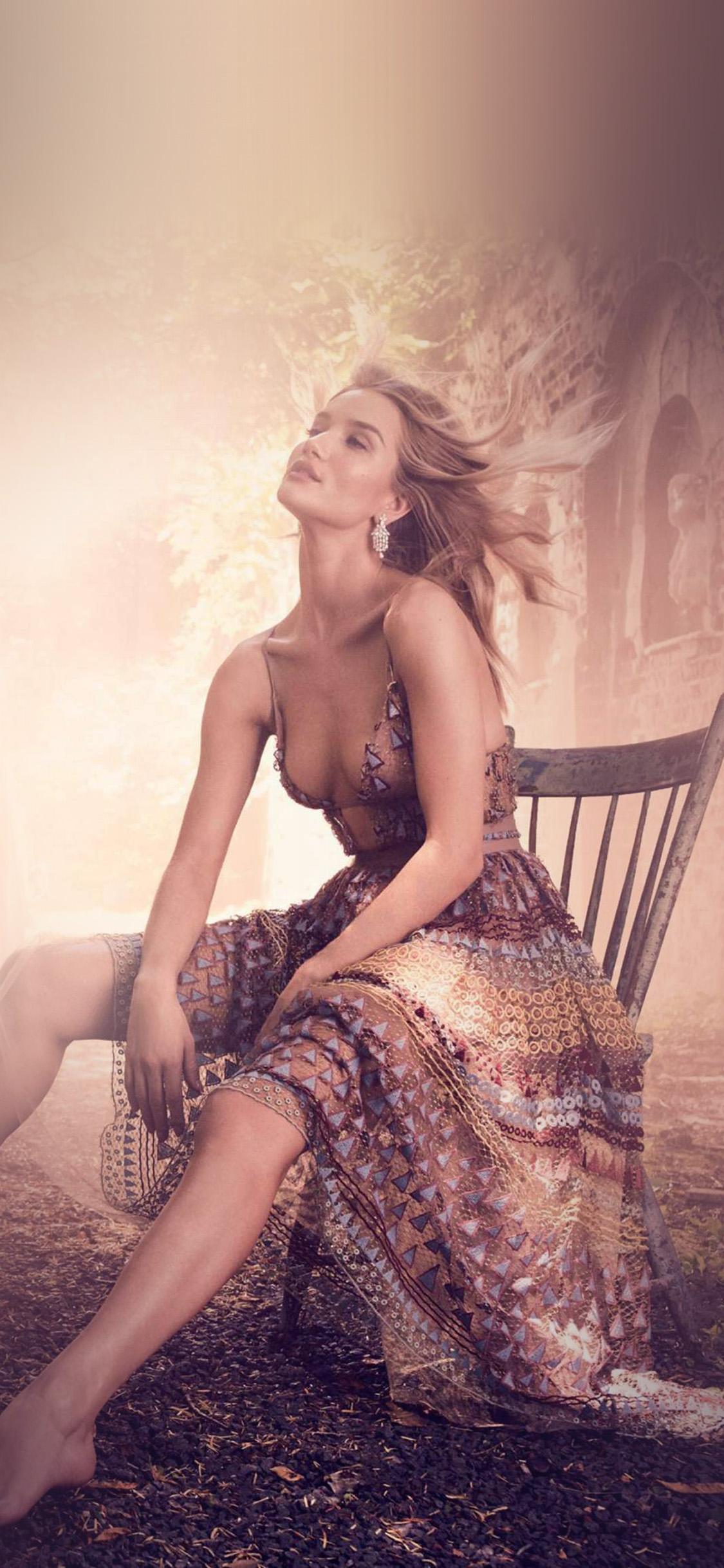 iPhonexpapers.com-Apple-iPhone-wallpaper-hr95-rosie-huntington-model-girl-victoria