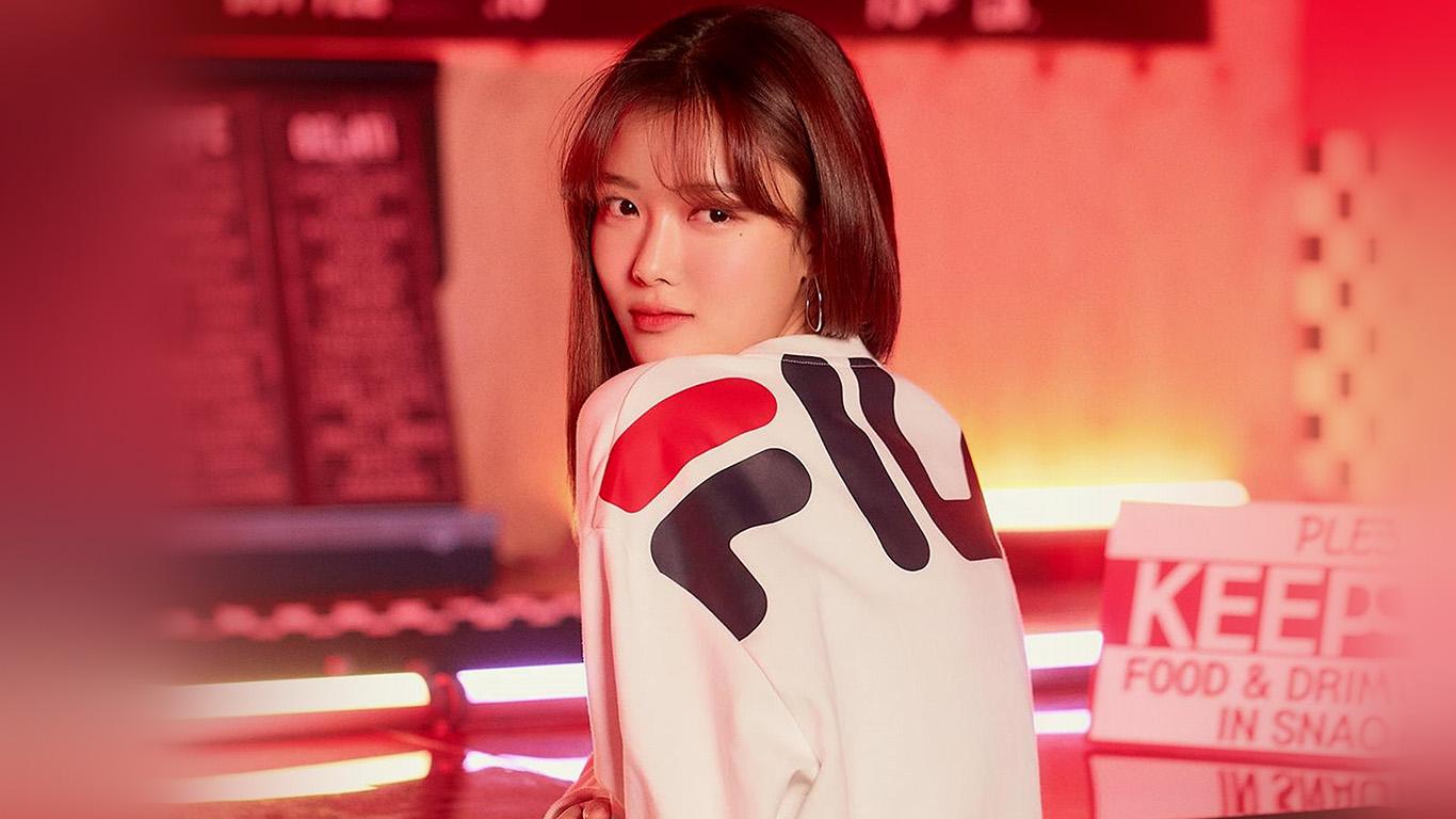 desktop-wallpaper-laptop-mac-macbook-air-hs22-girl-kpop-red-fila-yujung-film-wallpaper