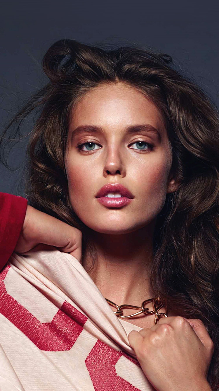 iPhone7papers.com-Apple-iPhone7-iphone7plus-wallpaper-hs33-emily-didonato-girl-model-red-beauty