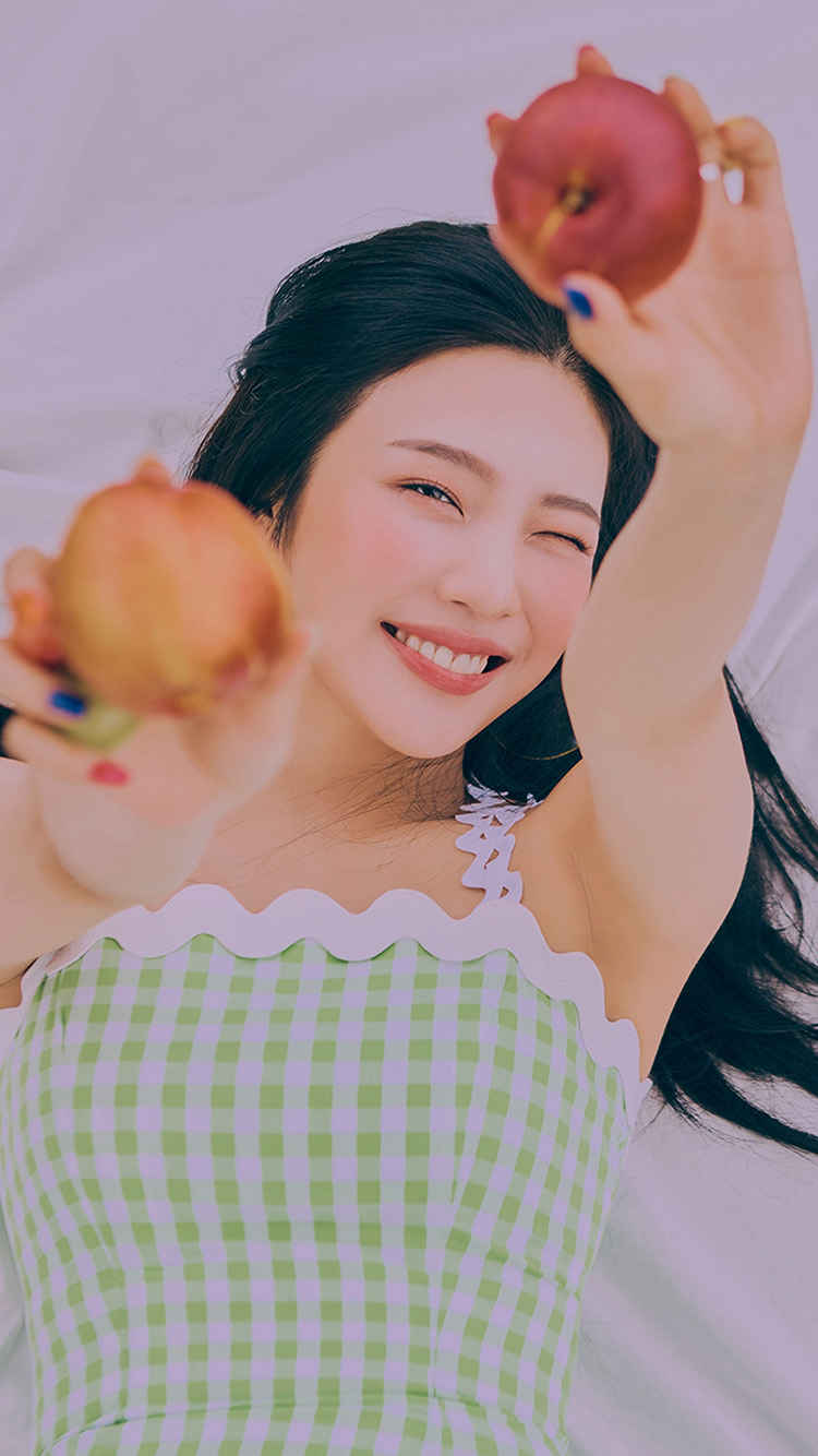 iPhone7papers.com-Apple-iPhone7-iphone7plus-wallpaper-ht58-kpop-girl-apple-picnic-spring