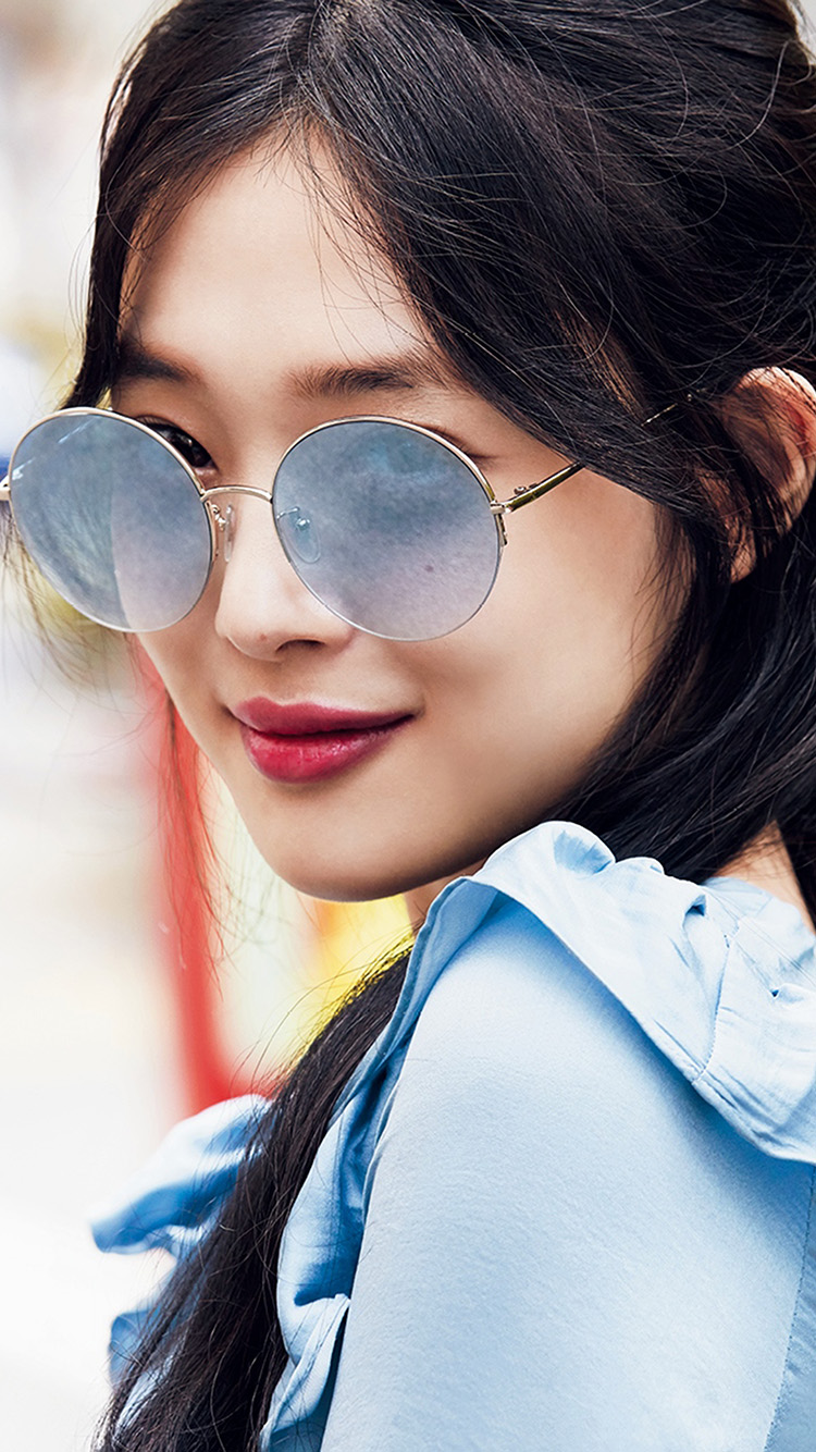 iPhone7papers.com-Apple-iPhone7-iphone7plus-wallpaper-ht61-kpop-sulli-girl-sunglasses