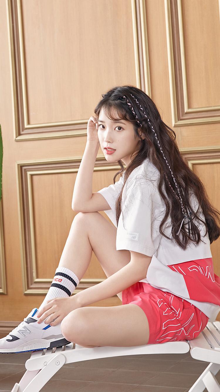 iPhone7papers.com-Apple-iPhone7-iphone7plus-wallpaper-ht70-iu-kpop-girl-pretty