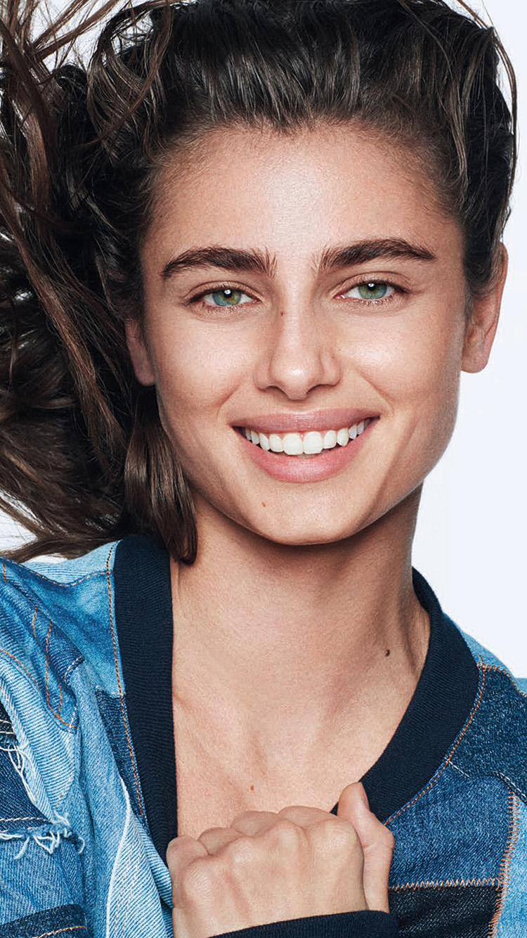iPhone7papers.com-Apple-iPhone7-iphone7plus-wallpaper-ht83-taylor-hill-girl-smile