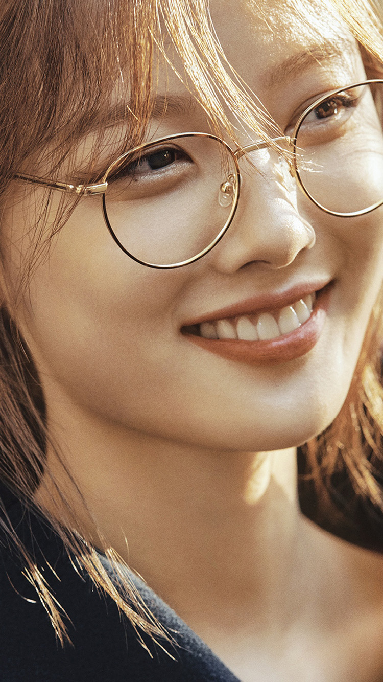 iPhone7papers.com-Apple-iPhone7-iphone7plus-wallpaper-ht96-girl-kpop-glasses-smile