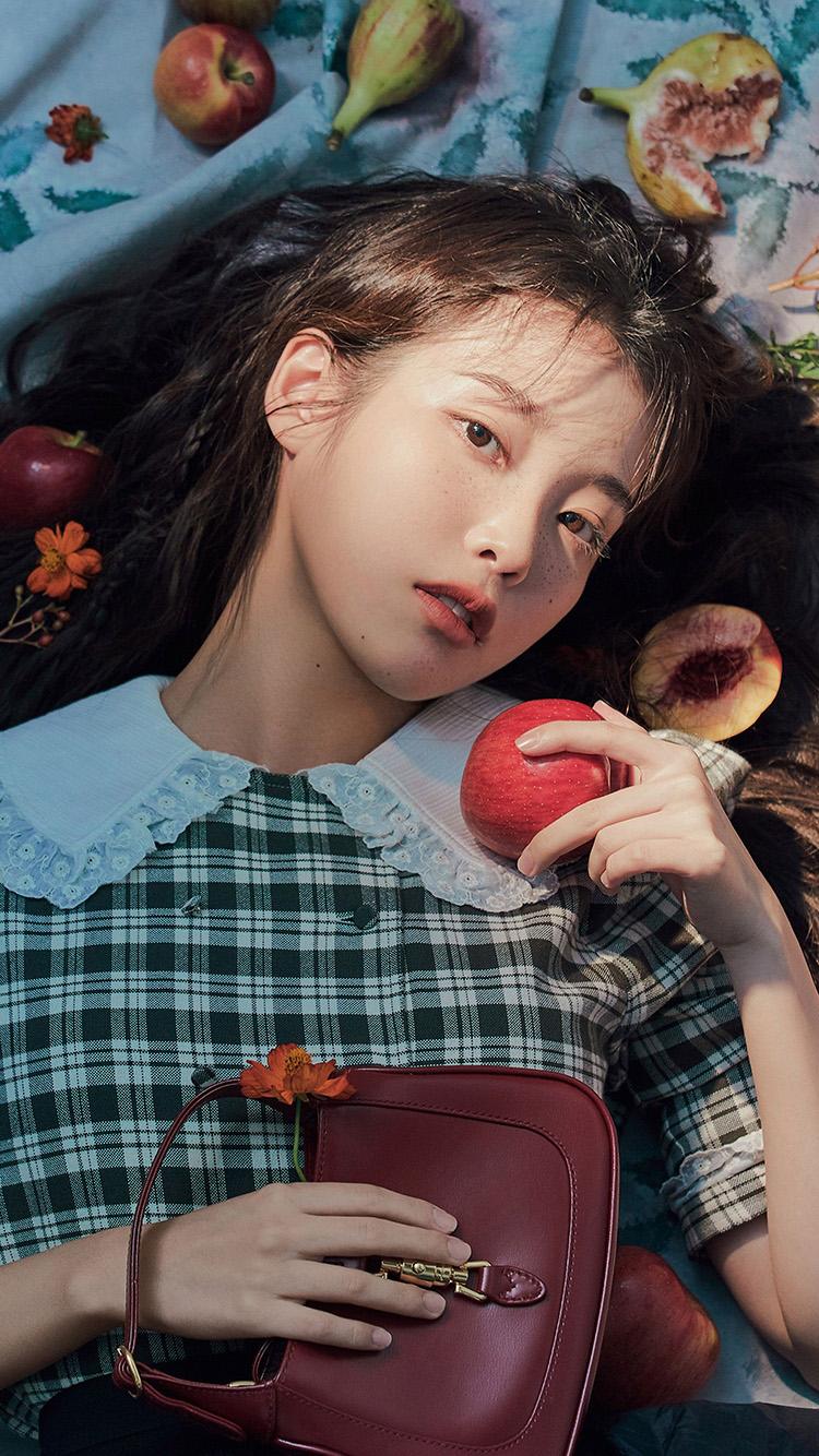 iPhone7papers.com-Apple-iPhone7-iphone7plus-wallpaper-hu35-iu-girl-kpop-apple-flower-cute