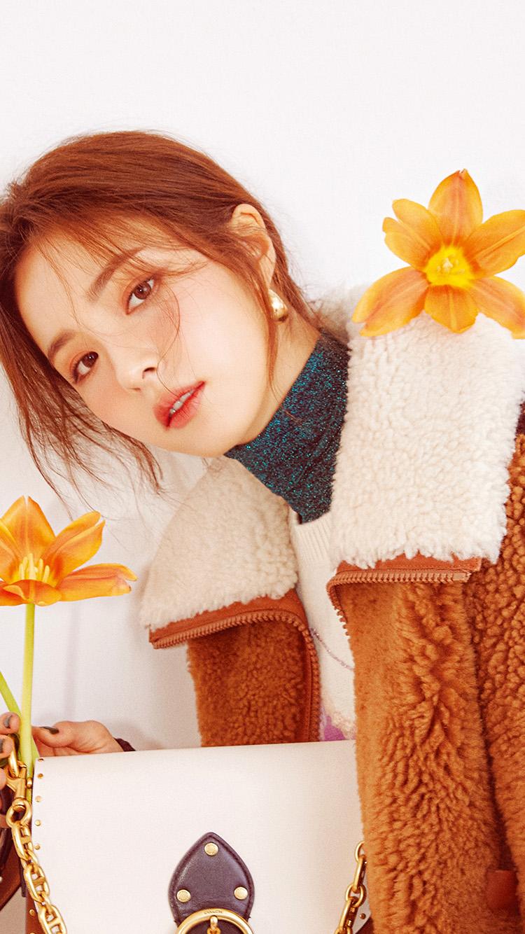 iPhone7papers.com-Apple-iPhone7-iphone7plus-wallpaper-hu46-flower-girl-segyung-winter-kpop
