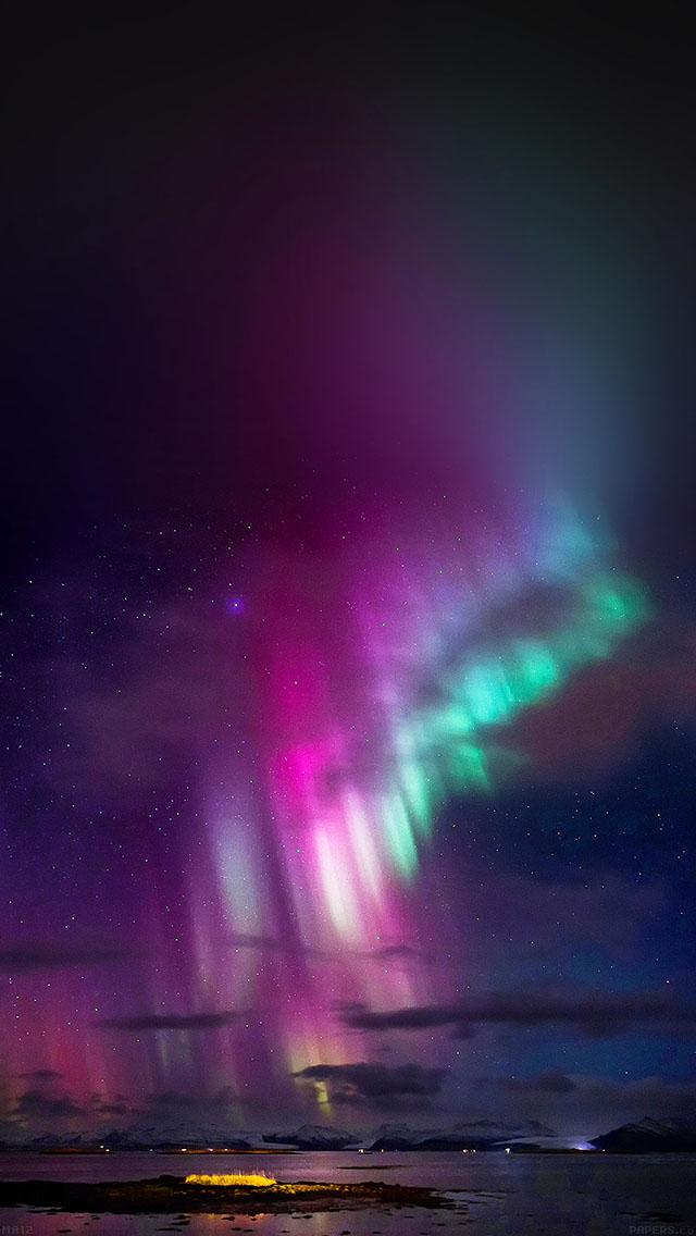 freeios8.com-iphone-4-5-6-ipad-ios8-ma12-aurora-trippy-sky-nature