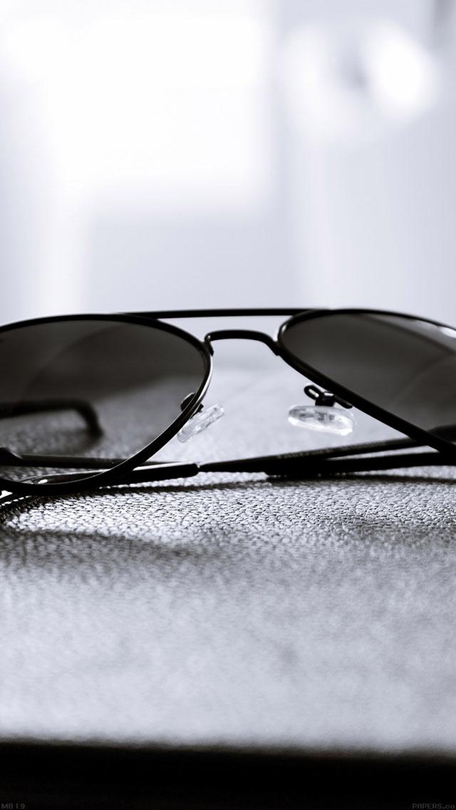 freeios8.com-iphone-4-5-6-ipad-ios8-mb19-wallpaper-aviator-glass