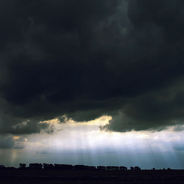 iPapers.co-Apple-iPhone-iPad-Macbook-iMac-wallpaper-mc25-wallpaper-dramatic-sky-cloud-storm