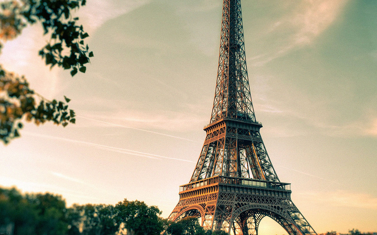 mc32-wallpaper-eiffel-tower-france-city - Papers.co