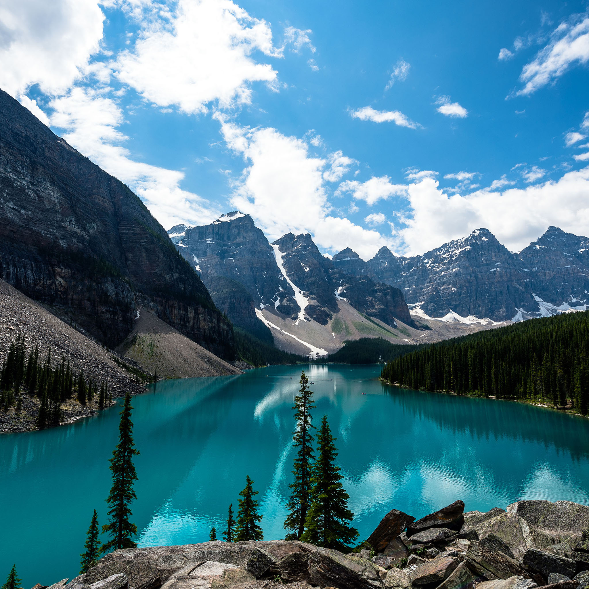 Mc33-wallpaper-emerald-lake-canada-mountain