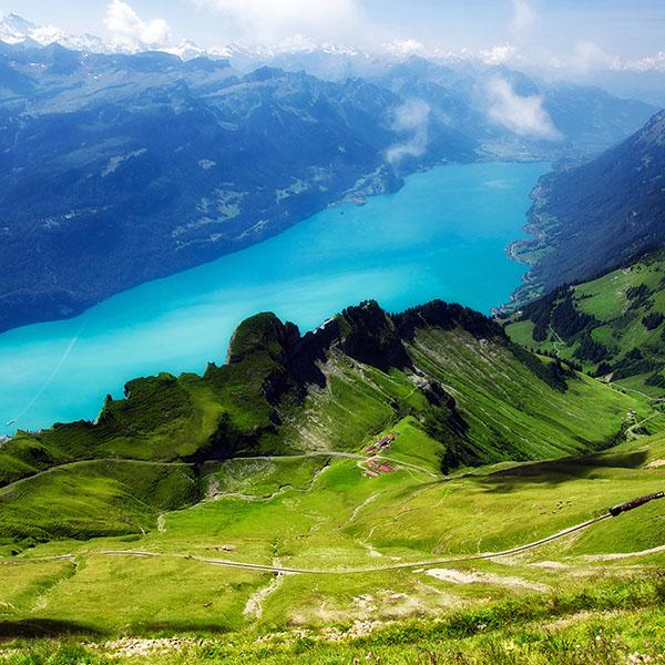 iPapers.co-Apple-iPhone-iPad-Macbook-iMac-wallpaper-mc34-wallpaper-emerald-lake-view-mountain