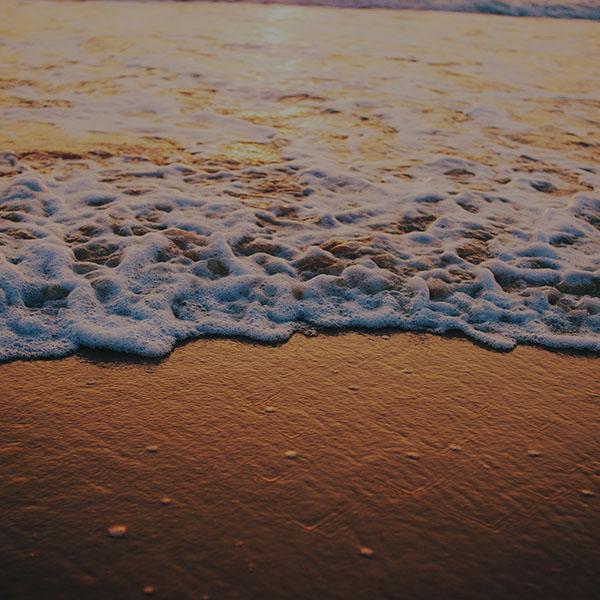 iPapers.co-Apple-iPhone-iPad-Macbook-iMac-wallpaper-mc58-wallpaper-goa-beach-dark-gold-sea