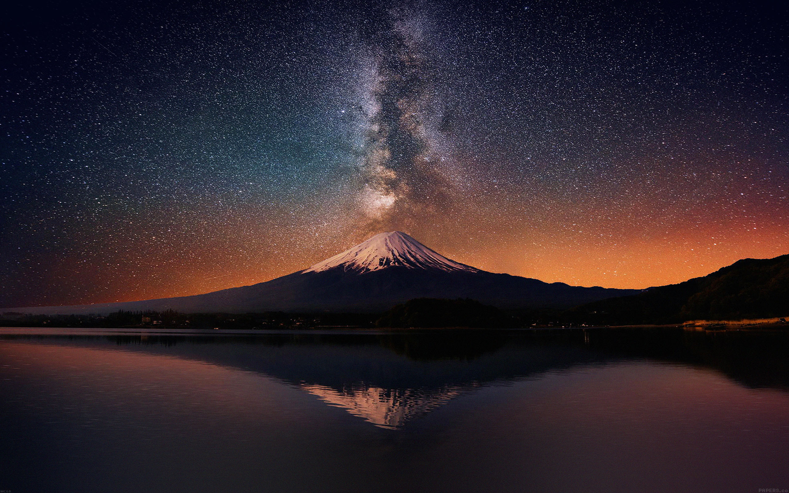mc68-wallpaper-milky-way-on-mountain-fuji-sky-wallpaper
