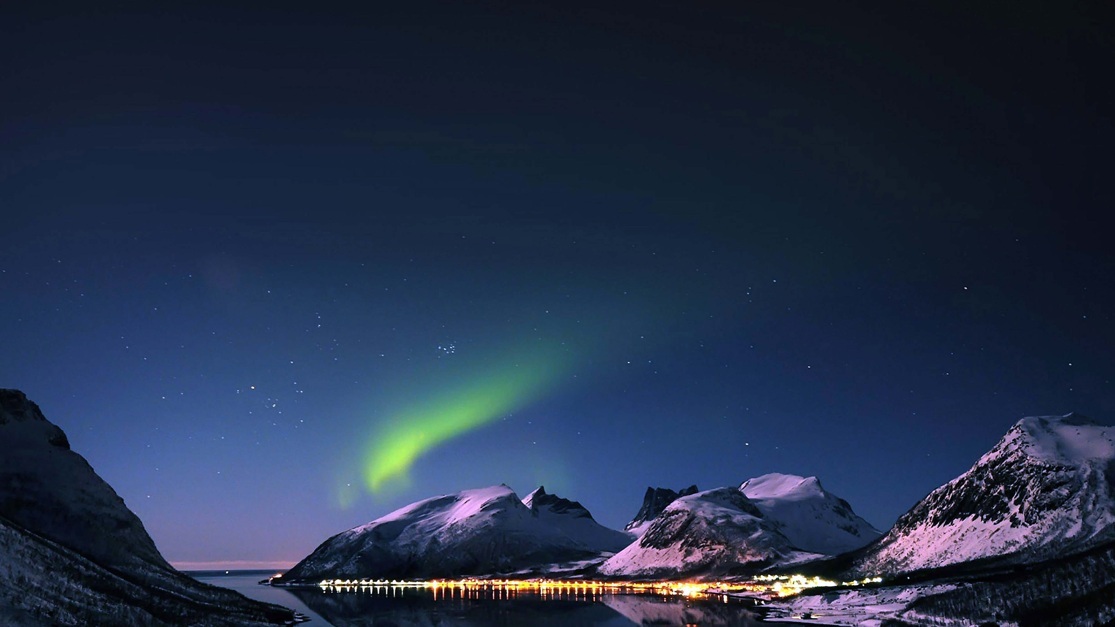 mc73-wallpaper-aurora-filled-night-sky-star - Papers.co