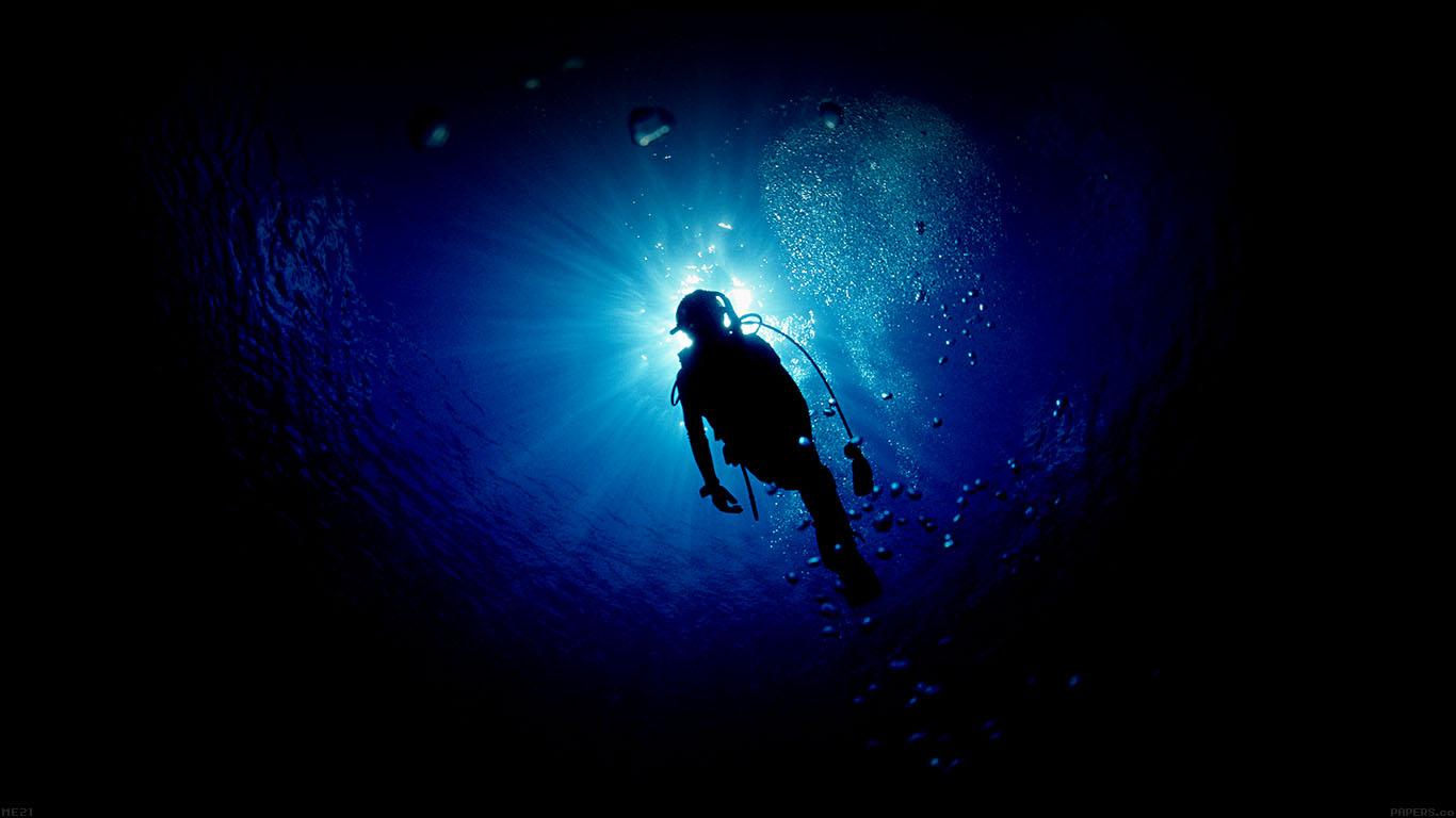 iPapers.co-Apple-iPhone-iPad-Macbook-iMac-wallpaper-me21-deep-blue-ocean-dive