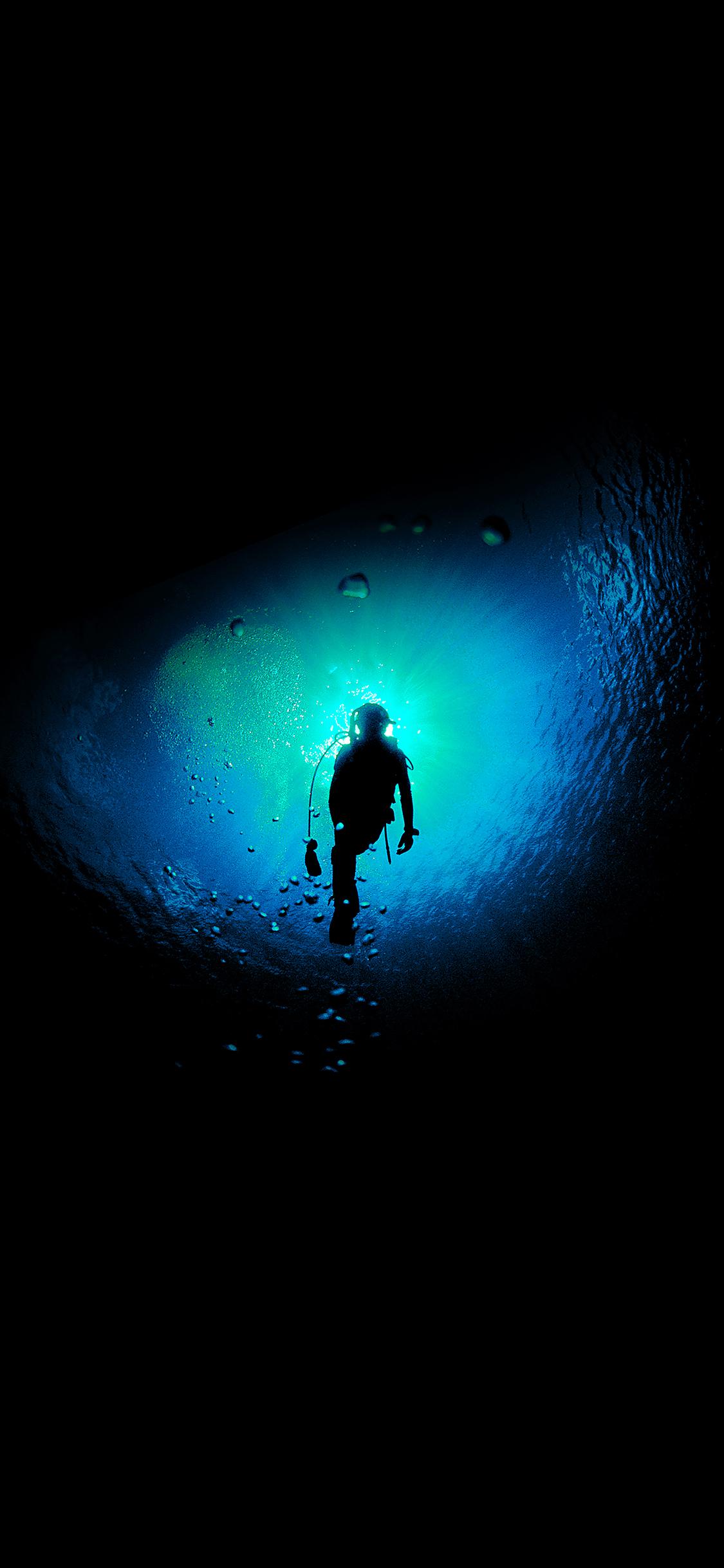 iPhoneXpapers.com-Apple-iPhone-wallpaper-me24-deep-blue-swim-ocean-dive