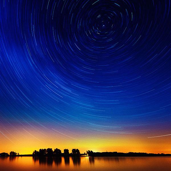 iPapers.co-Apple-iPhone-iPad-Macbook-iMac-wallpaper-me29-star-gazing-night-on-red-lake