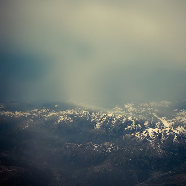 iPapers.co-Apple-iPhone-iPad-Macbook-iMac-wallpaper-me47-the-alps-mountain-sky-view