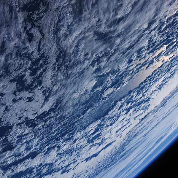 iPapers.co-Apple-iPhone-iPad-Macbook-iMac-wallpaper-me70-cosmos-earth-from-satellite-space-wallpaper