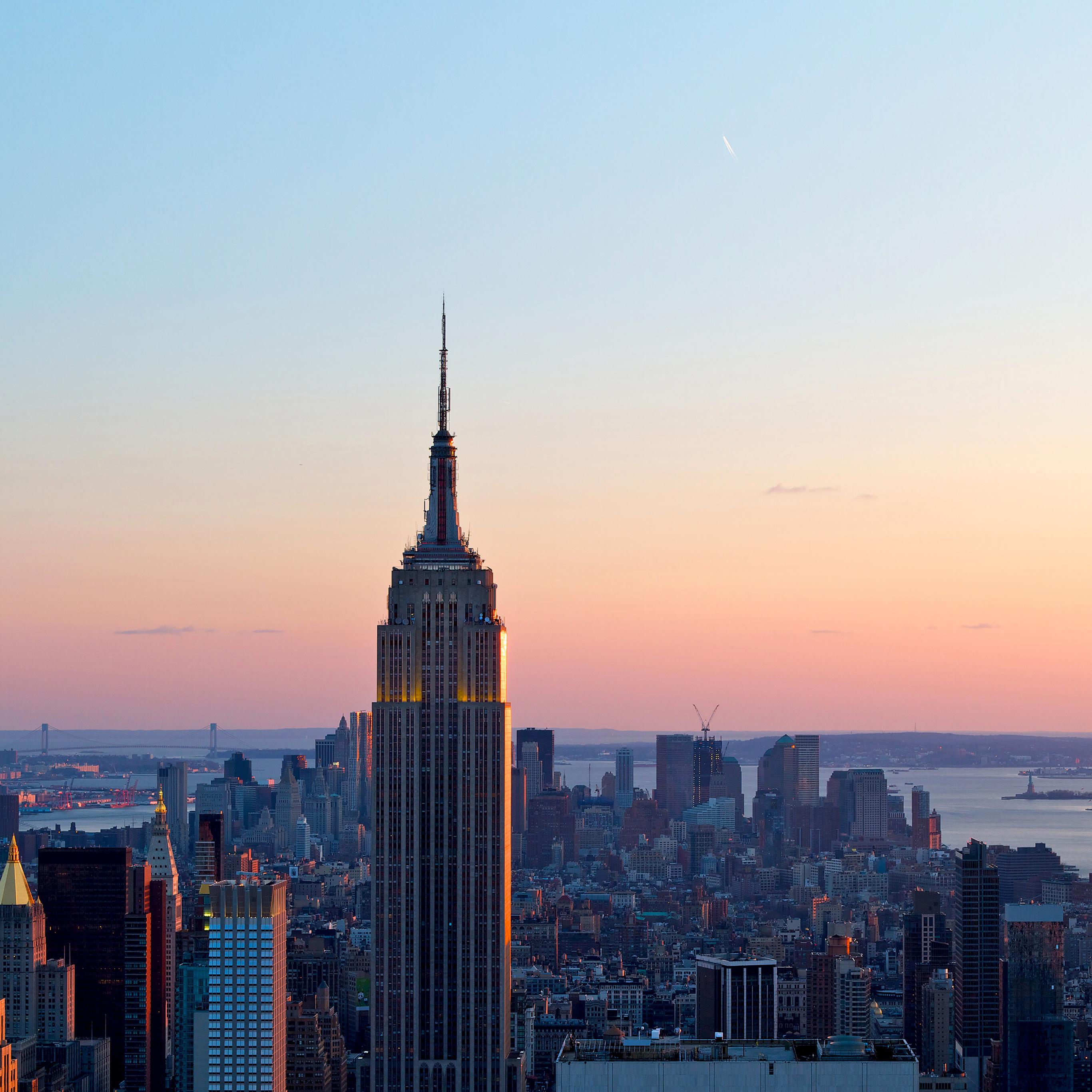 New York Skyline Wallpaper: Me71-dusk-new-york-skyline-city