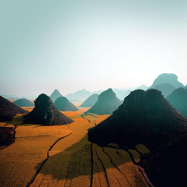 iPapers.co-Apple-iPhone-iPad-Macbook-iMac-wallpaper-mf01-nature-mountain-high-orange-field
