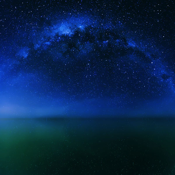iPapers.co-Apple-iPhone-iPad-Macbook-iMac-wallpaper-mf28-cosmos-night-live-lake-space-starry