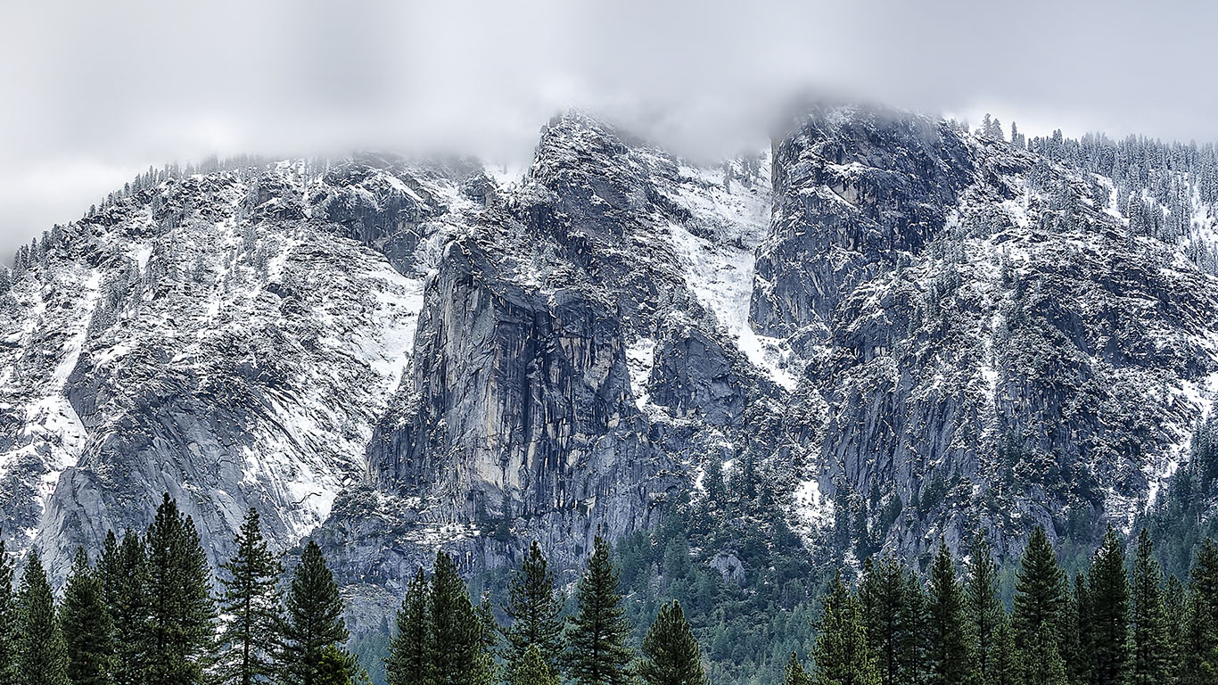 iPapers.co-Apple-iPhone-iPad-Macbook-iMac-wallpaper-mf45-yosemite-coming-round-mountain-wallpaper