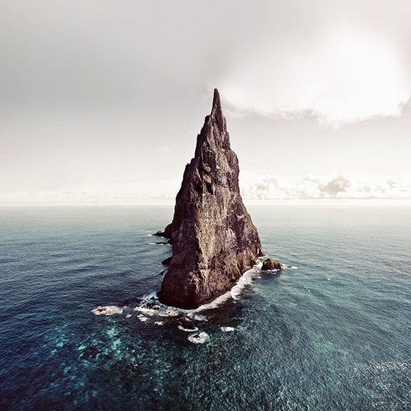iPapers.co-Apple-iPhone-iPad-Macbook-iMac-wallpaper-mf63-island-of-lonely-papillon-sea-ocean-nature-wallpaper