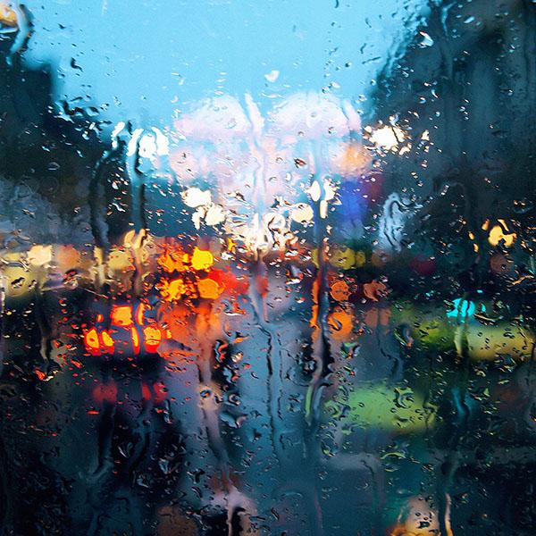 iPapers.co-Apple-iPhone-iPad-Macbook-iMac-wallpaper-mf68-raining-back-car-window-street