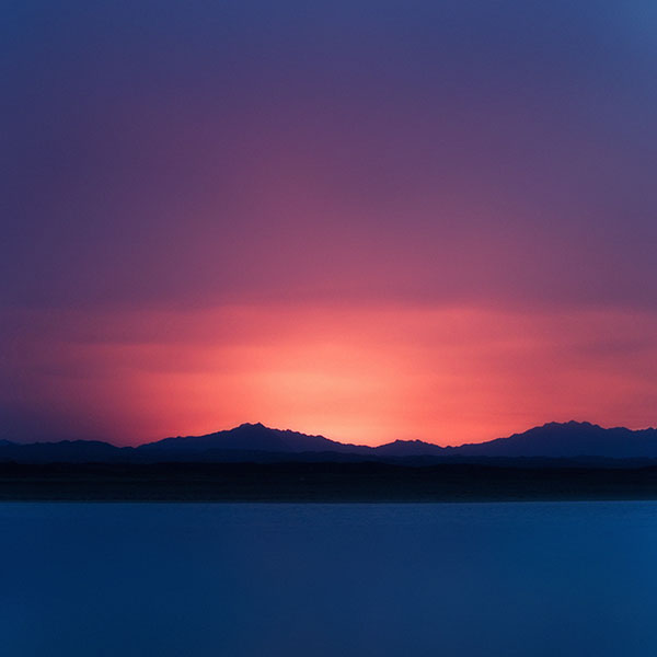 iPapers.co-Apple-iPhone-iPad-Macbook-iMac-wallpaper-mf70-sunset-lake-mountain-dark-night