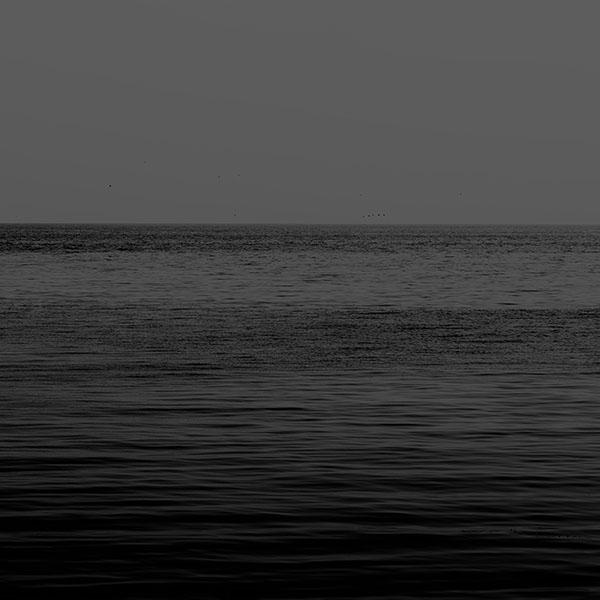 iPapers.co-Apple-iPhone-iPad-Macbook-iMac-wallpaper-mg71-black-sea-ocean-flat-nature