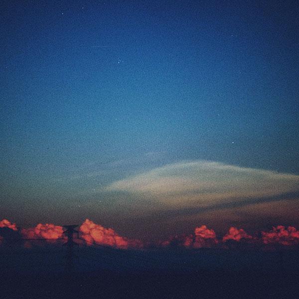 iPapers.co-Apple-iPhone-iPad-Macbook-iMac-wallpaper-mg75-cloud-blue-clear-vintage-sky-nature