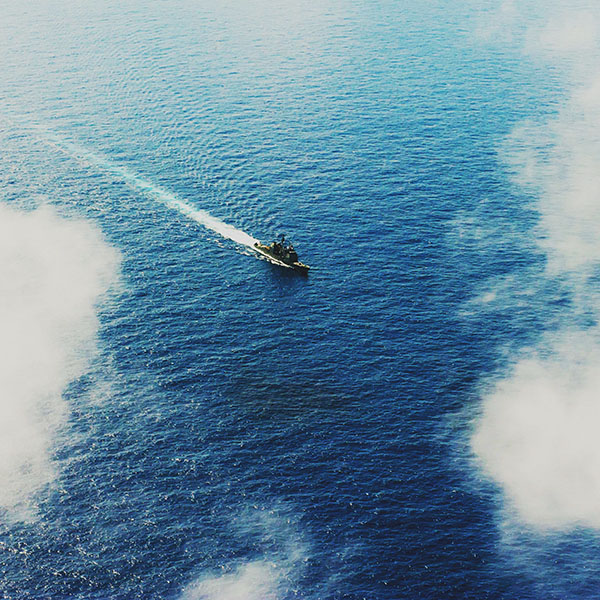 iPapers.co-Apple-iPhone-iPad-Macbook-iMac-wallpaper-mh27-ocean-ship-sea-sunny-day-pacific-nature-military-army-wallpaper