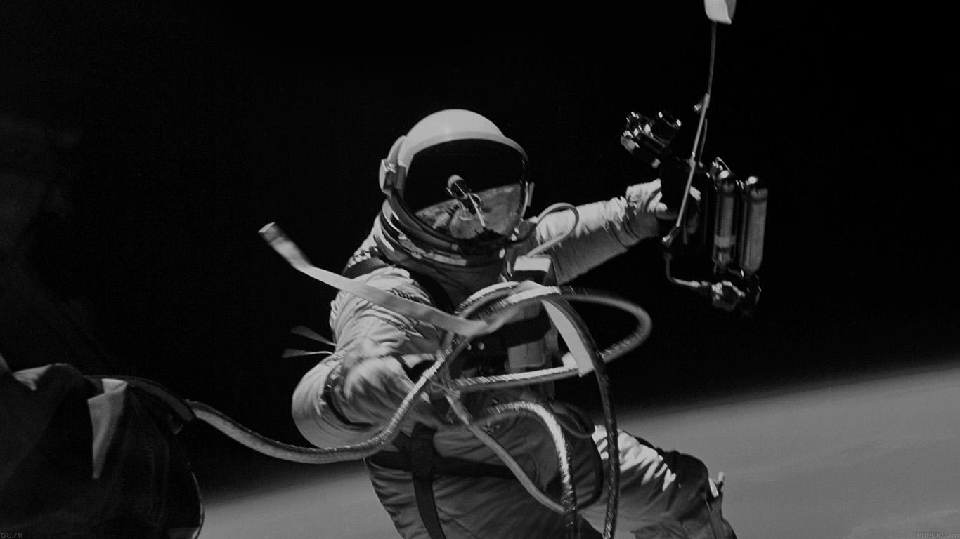 desktop-wallpaper-laptop-mac-macbook-airmh72-space-instagram-photo-astronaut-black-wallpaper