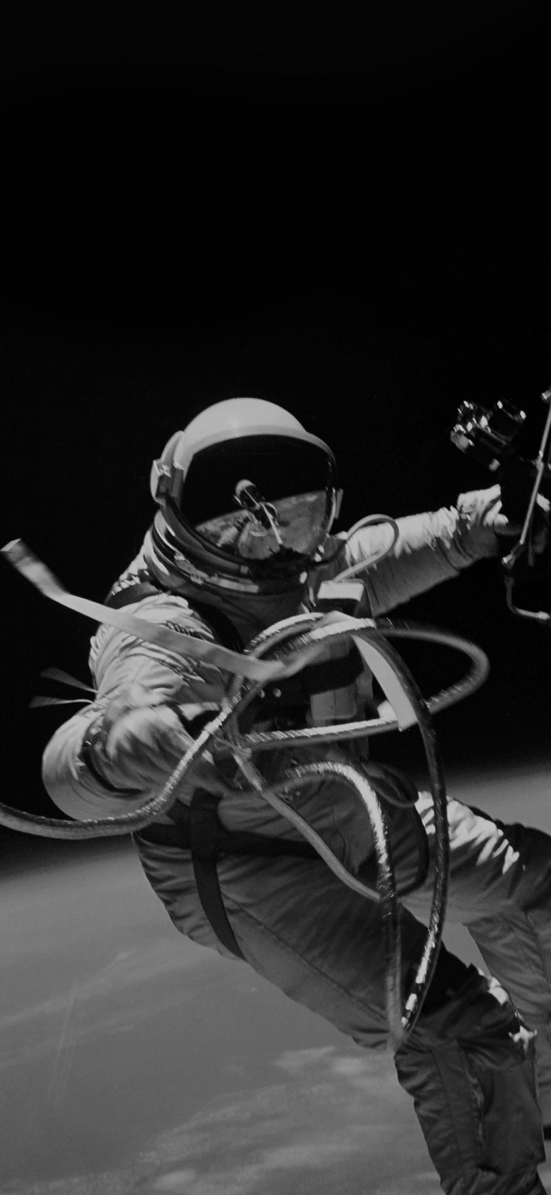 iPhoneXpapers.com-Apple-iPhone-wallpaper-mh72-space-instagram-photo-astronaut-black