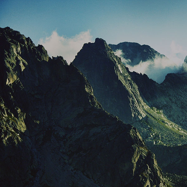 iPapers.co-Apple-iPhone-iPad-Macbook-iMac-wallpaper-mi34-breath-taking-mountains-zoom-sky-high-nature-wallpaper