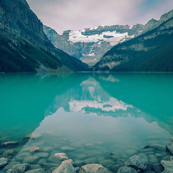 iPapers.co-Apple-iPhone-iPad-Macbook-iMac-wallpaper-mk50-canada-lake-blue-louise-green-water-nature-wallpaper