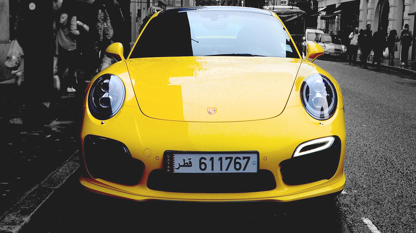 iPapers.co-Apple-iPhone-iPad-Macbook-iMac-wallpaper-mk71-porche-street-car-city-bw-yellow-wallpaper