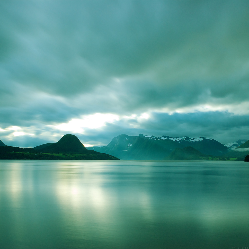 wallpaper-ml10-lake-mountain-green-calm-nature-wallpaper