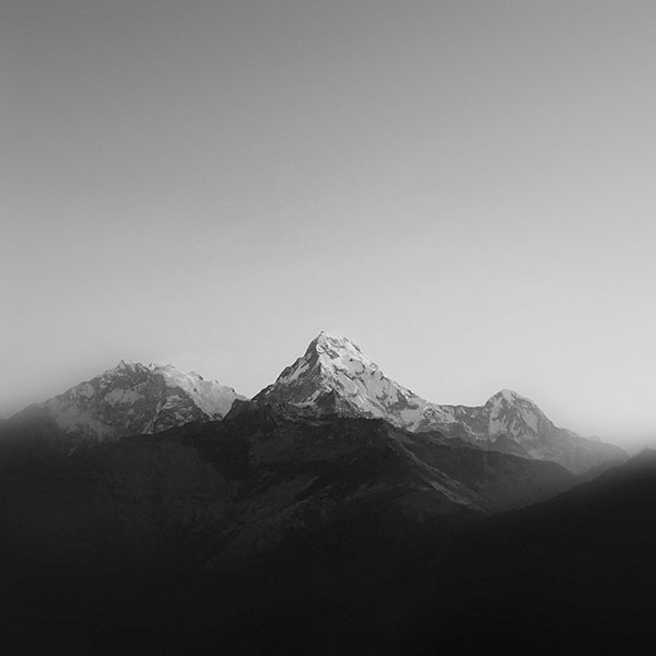 iPapers.co-Apple-iPhone-iPad-Macbook-iMac-wallpaper-ml66-mountain-bw-dark-high-sky-nature-rocky-wallpaper