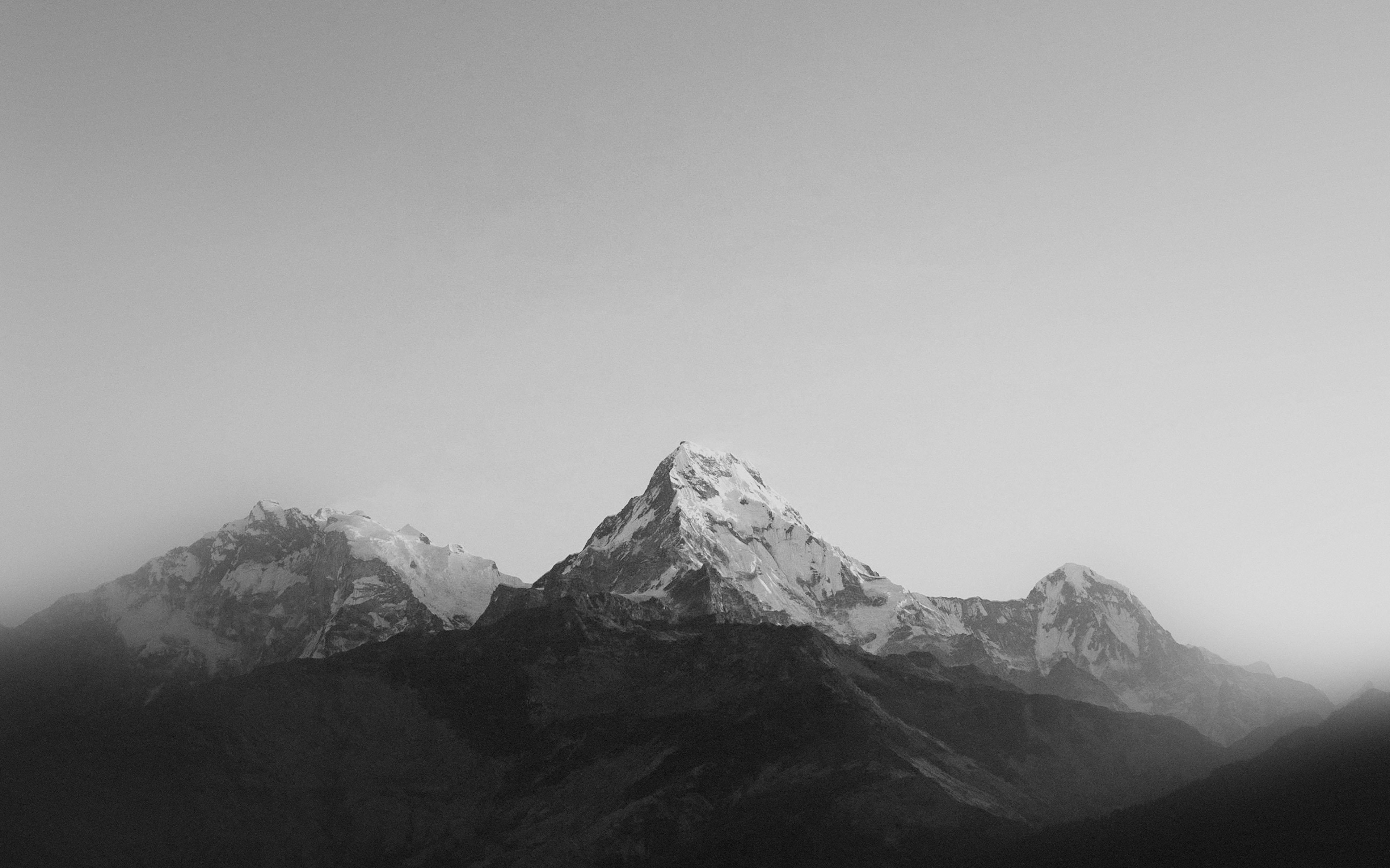 ml66-mountain-bw-dark-high-sky-nature-rocky - Papers.co