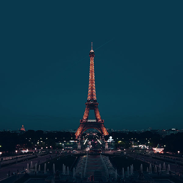 iPapers.co-Apple-iPhone-iPad-Macbook-iMac-wallpaper-ml78-paris-night-france-city-blue-eiffel-tower-wallpaper