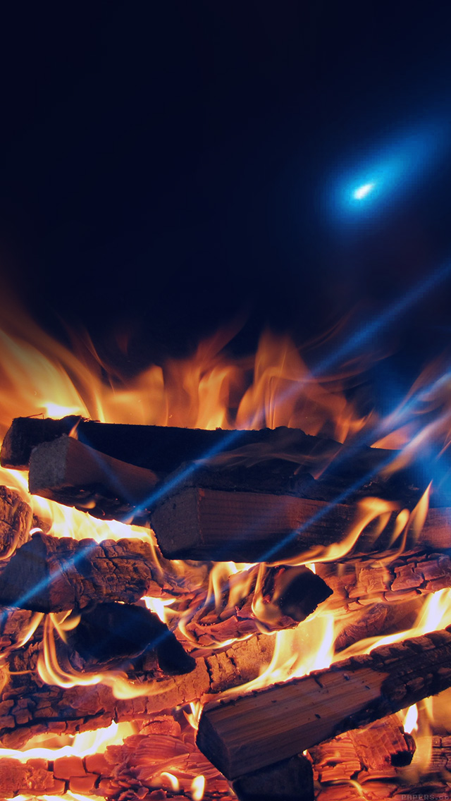 freeios8.com-iphone-4-5-6-plus-ipad-ios8-mm43-camp-fire-night-nature-flare