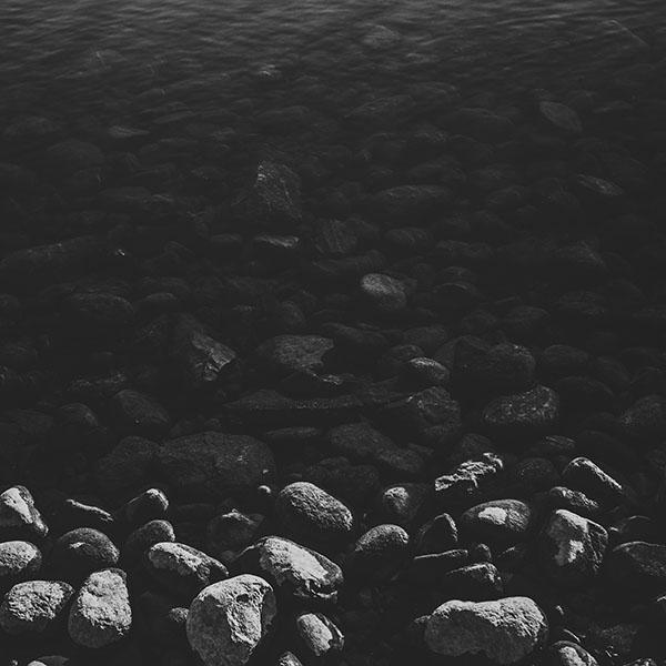 iPapers.co-Apple-iPhone-iPad-Macbook-iMac-wallpaper-mm96-stone-dark-bw-lake-nature-water-wallpaper
