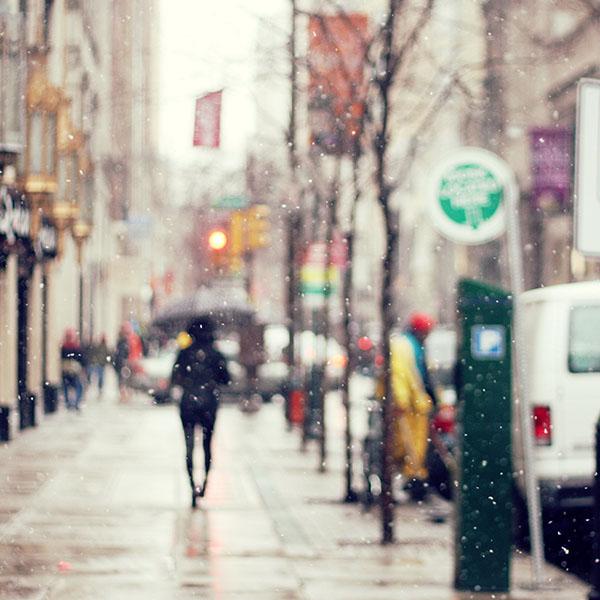 iPapers.co-Apple-iPhone-iPad-Macbook-iMac-wallpaper-mn26-snow-street-winter-walk-city-day-nature-wallpaper