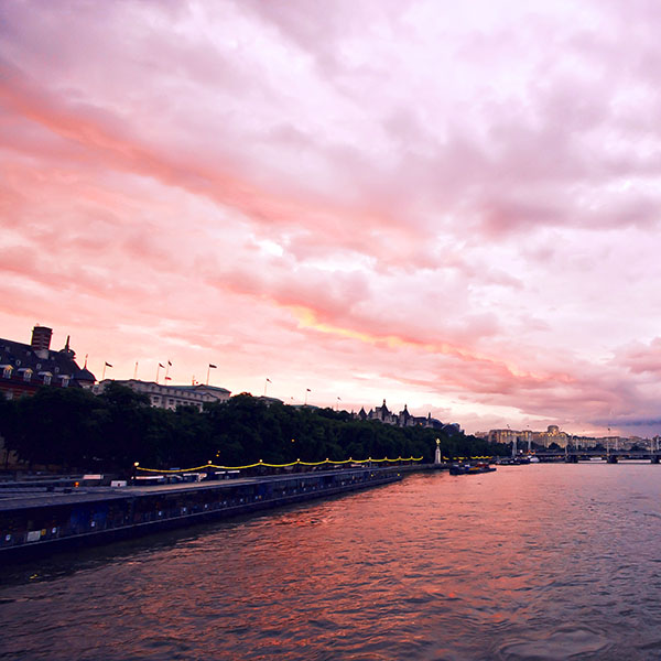 iPapers.co-Apple-iPhone-iPad-Macbook-iMac-wallpaper-mn54-river-entertainment-red-sky-nature-city-wallpaper