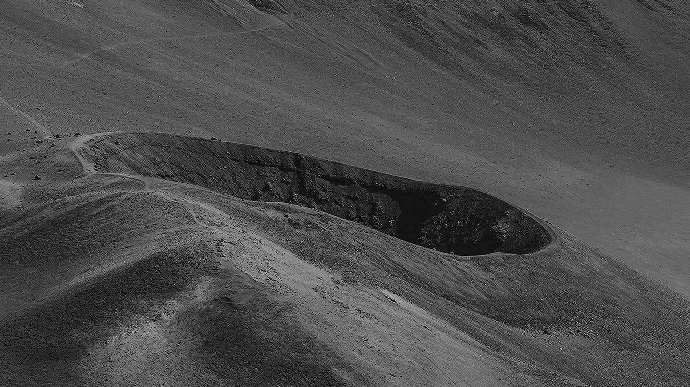 desktop-wallpaper-laptop-mac-macbook-airmn61-crater-mountain-dark-bw-nature-wallpaper