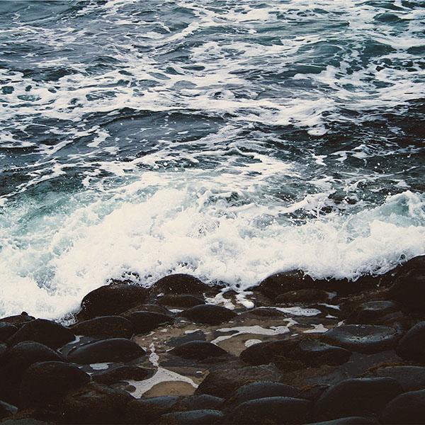 iPapers.co-Apple-iPhone-iPad-Macbook-iMac-wallpaper-mq67-wave-ocean-beach-lake-nature-stone-wallpaper