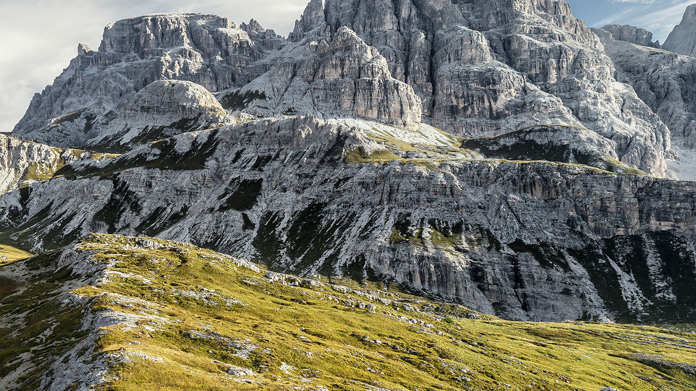 desktop-wallpaper-laptop-mac-macbook-air-mr06-5k-apple-mountain-spring-nature-imac-wallpaper